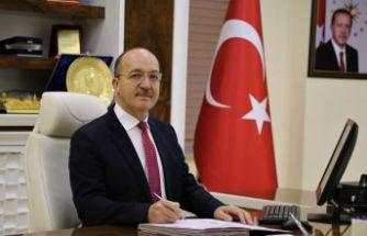 Rektör Zeybek'ten #BizBizeYeterizTürkiyem kampanyasına bir maaşlık bağış