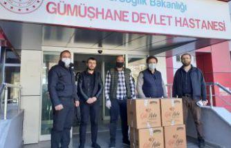 Semerkand Vakfı sağlık çalışanlarını Berat Kandilinde de unutmadı