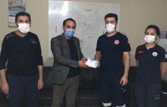 Ülkü Ocaklarından sağlık çalışanlarına kahve ikramı