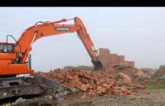 Gümüşhane yaylalarındaki kaçak binaların yıkımı devam ediyor