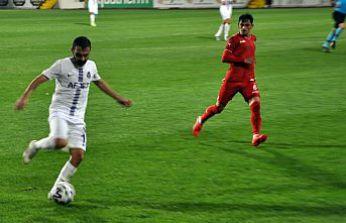 Gümüş ilk maçta umut verdi ama yenemedi: 0-1