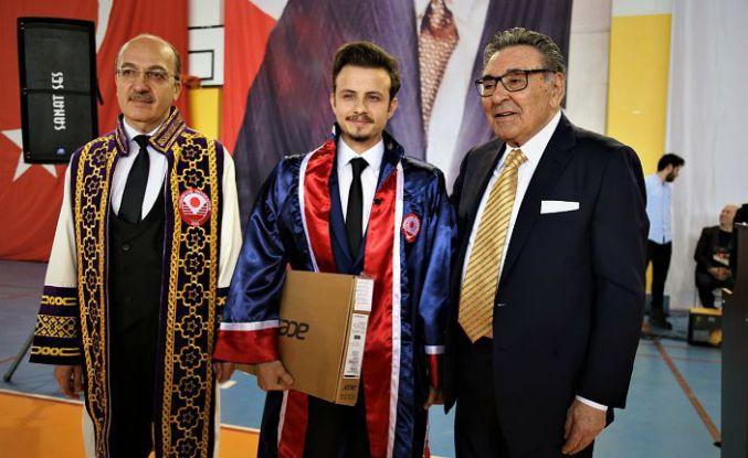 Aydın Doğan Kelkit'te mezuniyet törenine katıldı