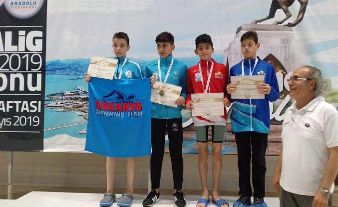 Yüzmede Türkiye üçüncülüğü geldi