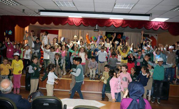 Gönüllü gençler Şiran'da yüzleri güldürdü
