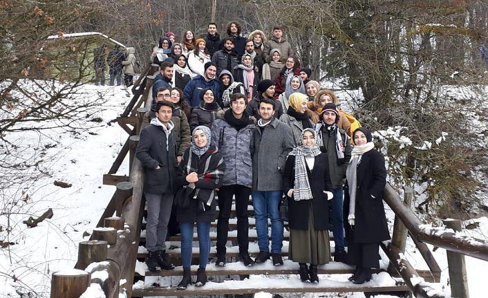 Gümüşhaneli Üniversite öğrencileri Abant'ta buluştu