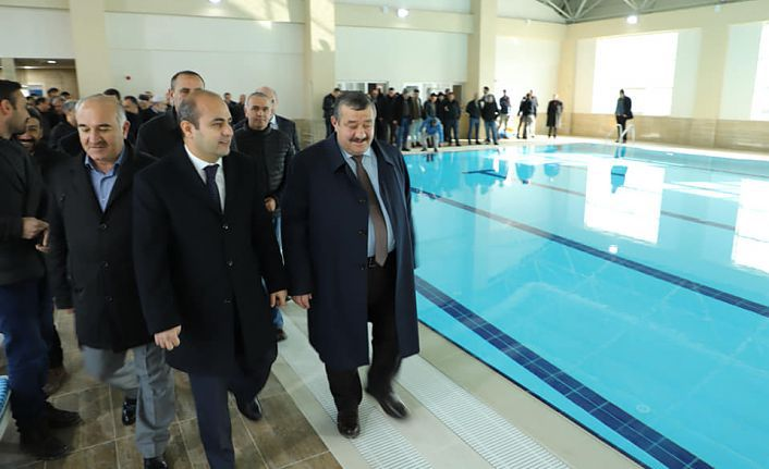 Kelkit Belediyesi Yarı Olimpik Yüzme Havuzu açıldı