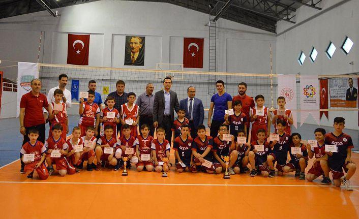 Torul'da 1.Mini Voleybol Turnuvası