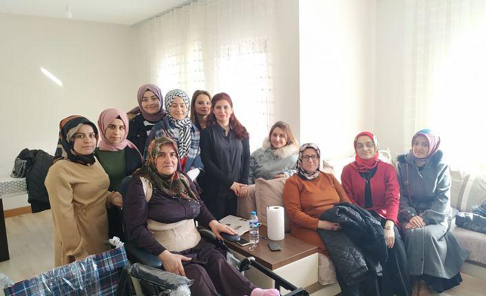 KYK'lı öğrenciler engelli vatandaşlar için el ele verdi