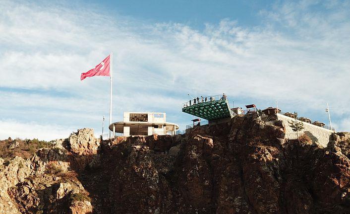 Torul Kalesi Cam Seyir terası açıldı
