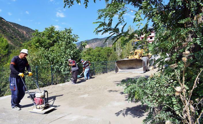 Torul'da üstyapı ve parke çalışmaları devam ediyor