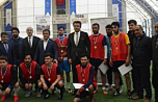 Üni-League sona erdi: Şampiyon Fasa Fiso FK