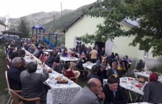 Yağlıdere köylüleri iftar sofrasında buluştu