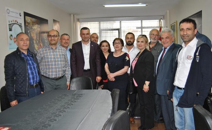Trabzon Gümüşhaneliler Derneğinden Özer'e tam destek