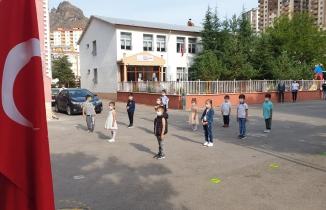 Mini mini birler okulda