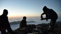 Gümüşhaneli Dağcılar 3 Bin 331 Metrede İftar Yaptı