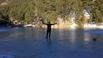 Limni Gölünün yüzeyi buz tuttu