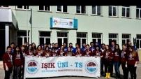 Bin 100 kilometreden gelip Gümüşhane'de köy okulunu tamir ediyorlar