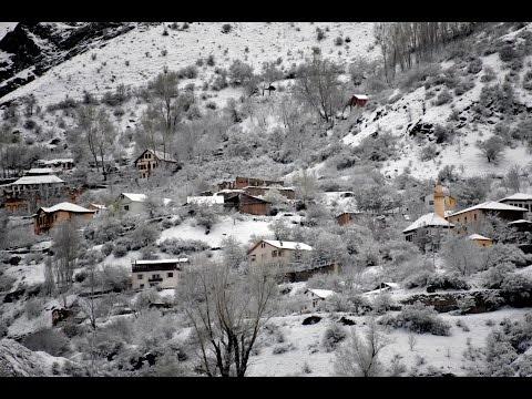 Burası Gümüşhane! 21 Nisan'da lapa lapa kar yağdı