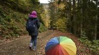 Gümüşhaneli dağcılar Örümcek Ormanlarında renk cümbüşü içerisinde doğa yürüyüşü gerçekleştirdi